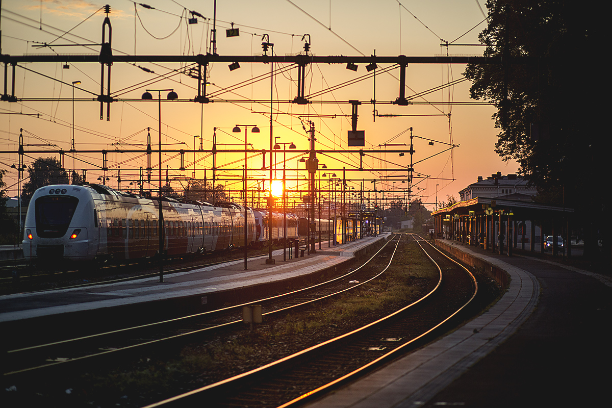 Sunrise-and-trains