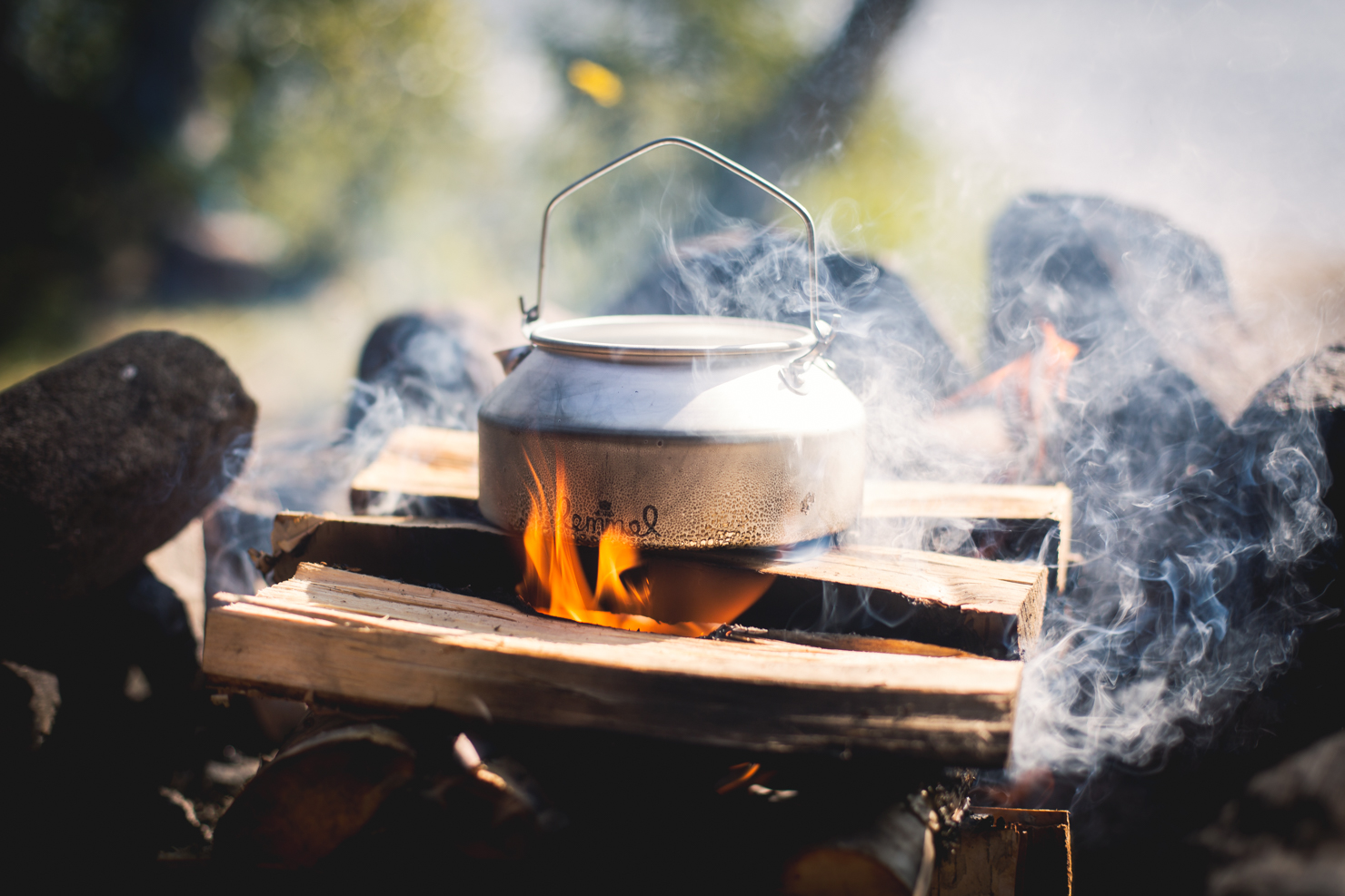 Kokkaffe över eld med kanna från Lemmel