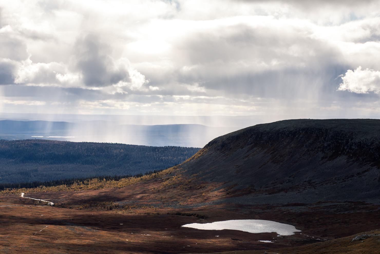 Höstfjäll och regnbågar – en dag i Särna