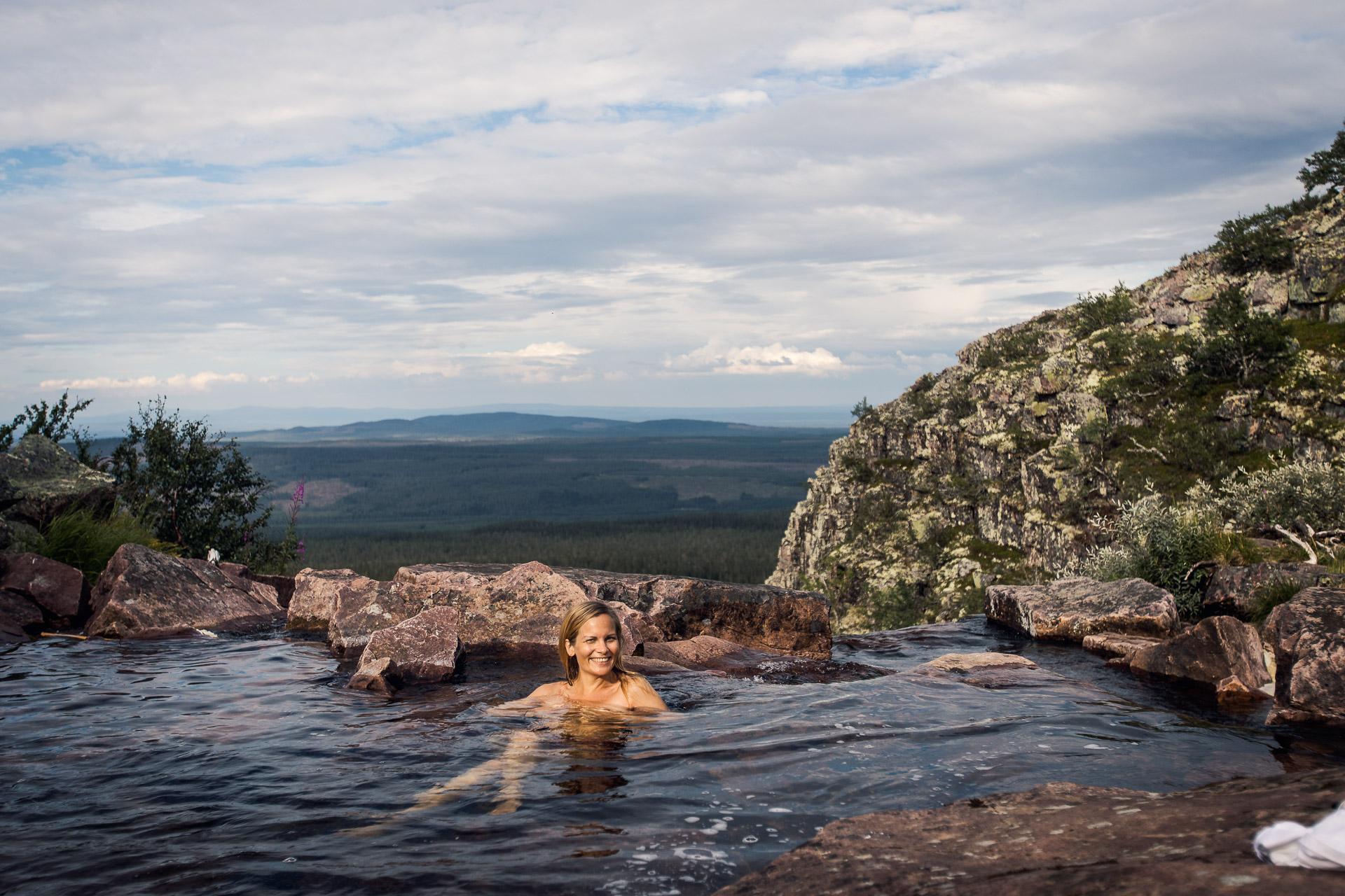 Katta badar i Njupeskär