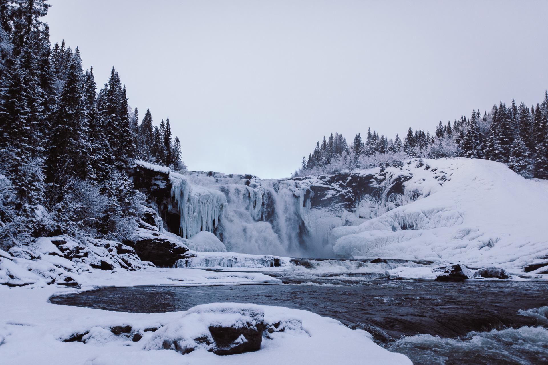 Tännforsen - fruset vattenfall